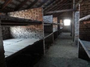 Auschwitz-Birkenau Häftlingsbaracke Innen